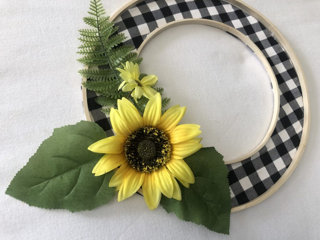 Buffalo check embroidery hoop diy