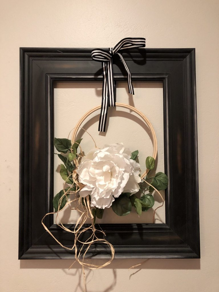Beautiful modern farmhouse fall flower wreath with raffia .Modern farmhouse wreath