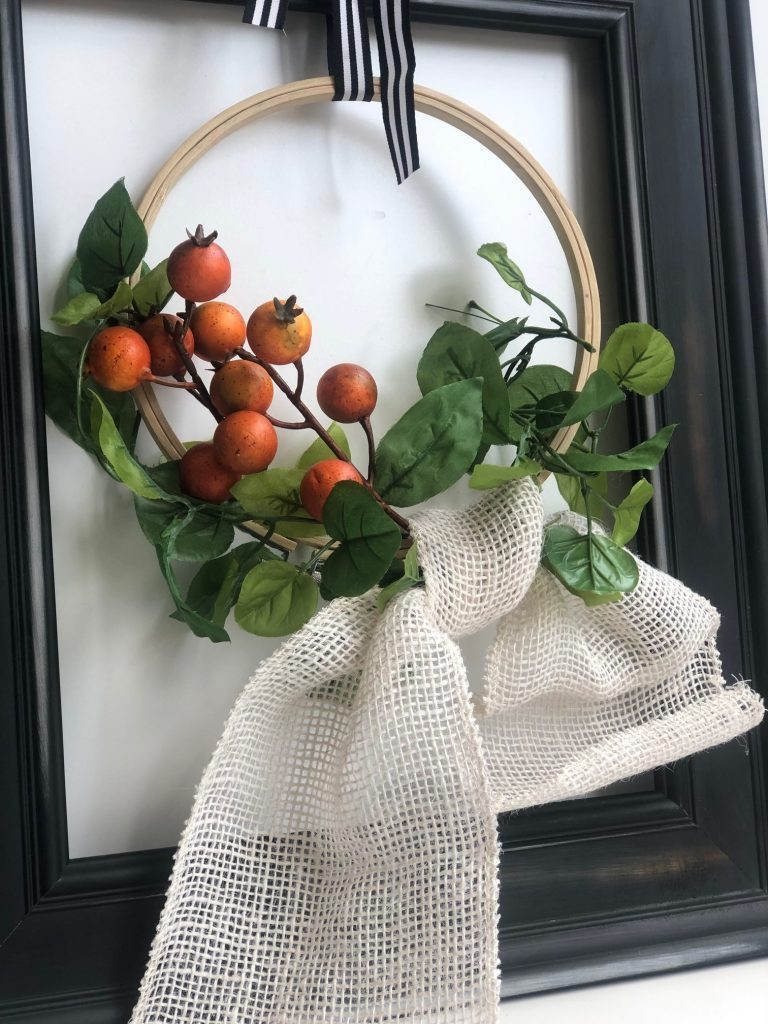 Burlap simple bow. Farmhouse embroidery hoop fall wreath diy. Black framed hoop