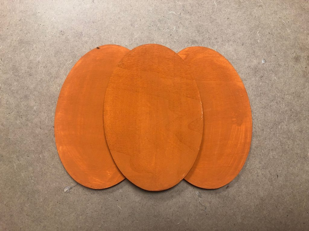 Learn how to make wooden pumpkin out of scraps of wood.Budget friendly fall decor ideas. Fall pumpkin craft. Can upscycle craft diy. Dollar Tree crafts. Easy pumpkin
