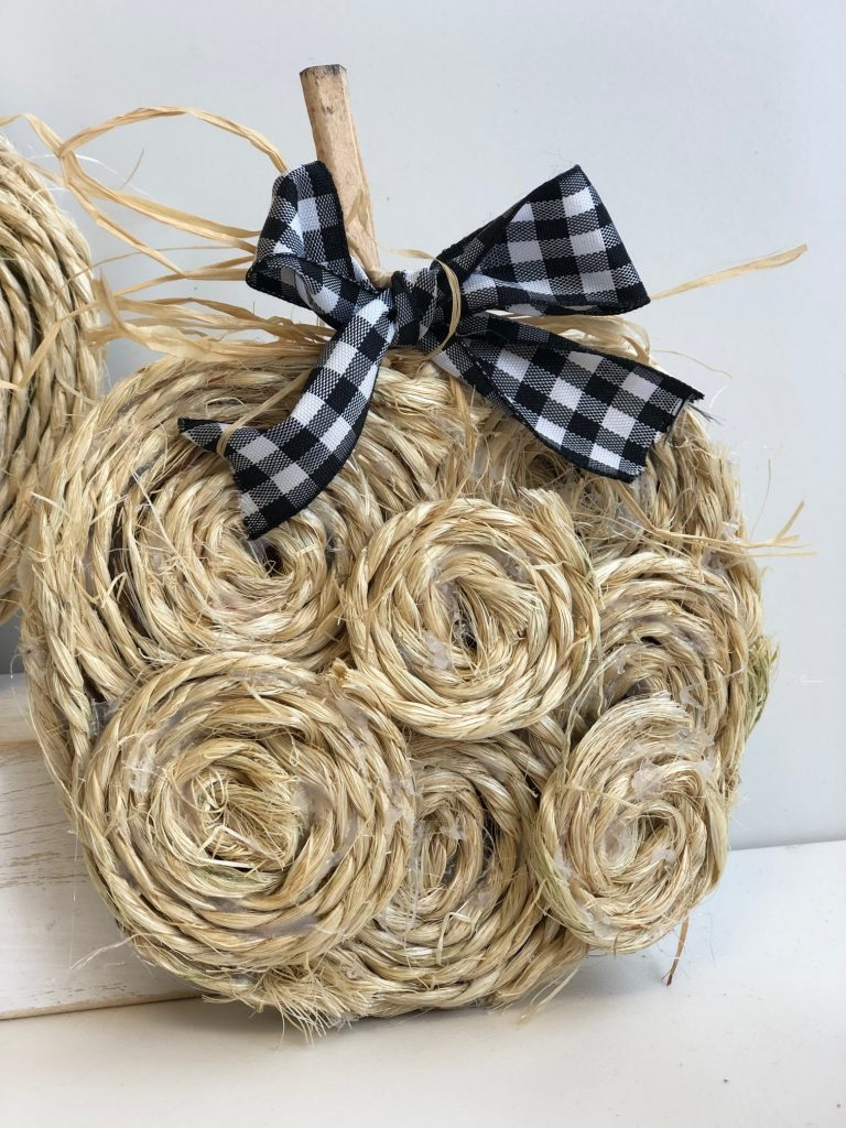 Budget friendly mini rope fall pumpkins with buffalo check bow