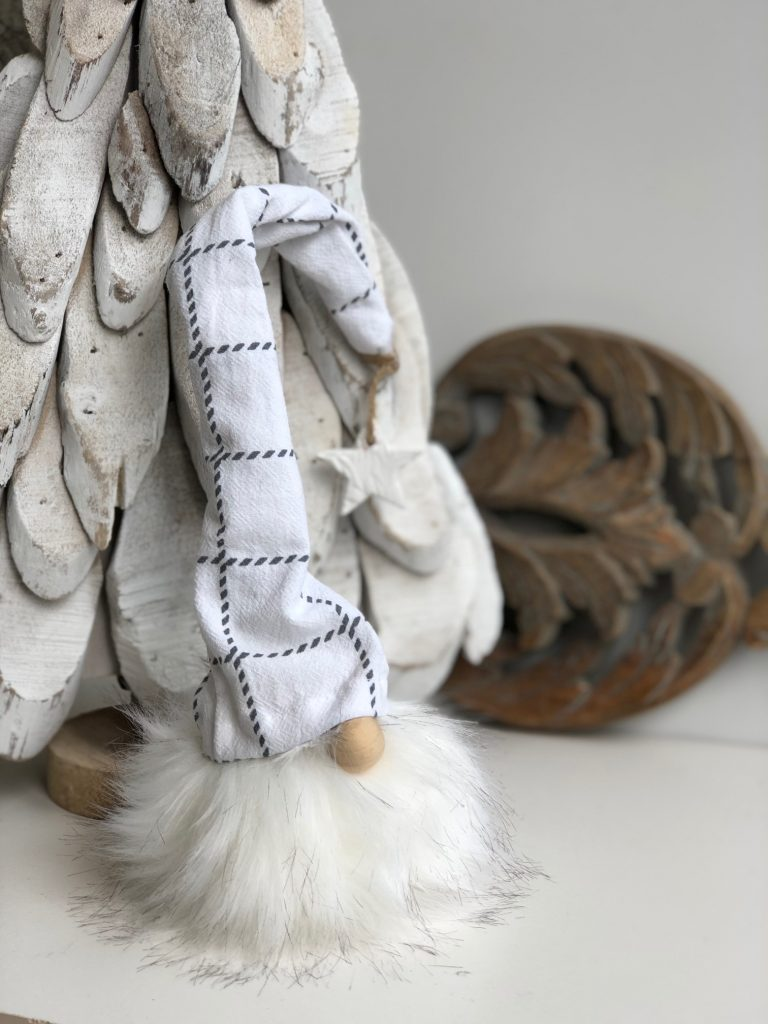 Beautiful white faux fur pom pom gnome to decorate your house for the holidays.Christmas gnome. Easy Gnome DIY