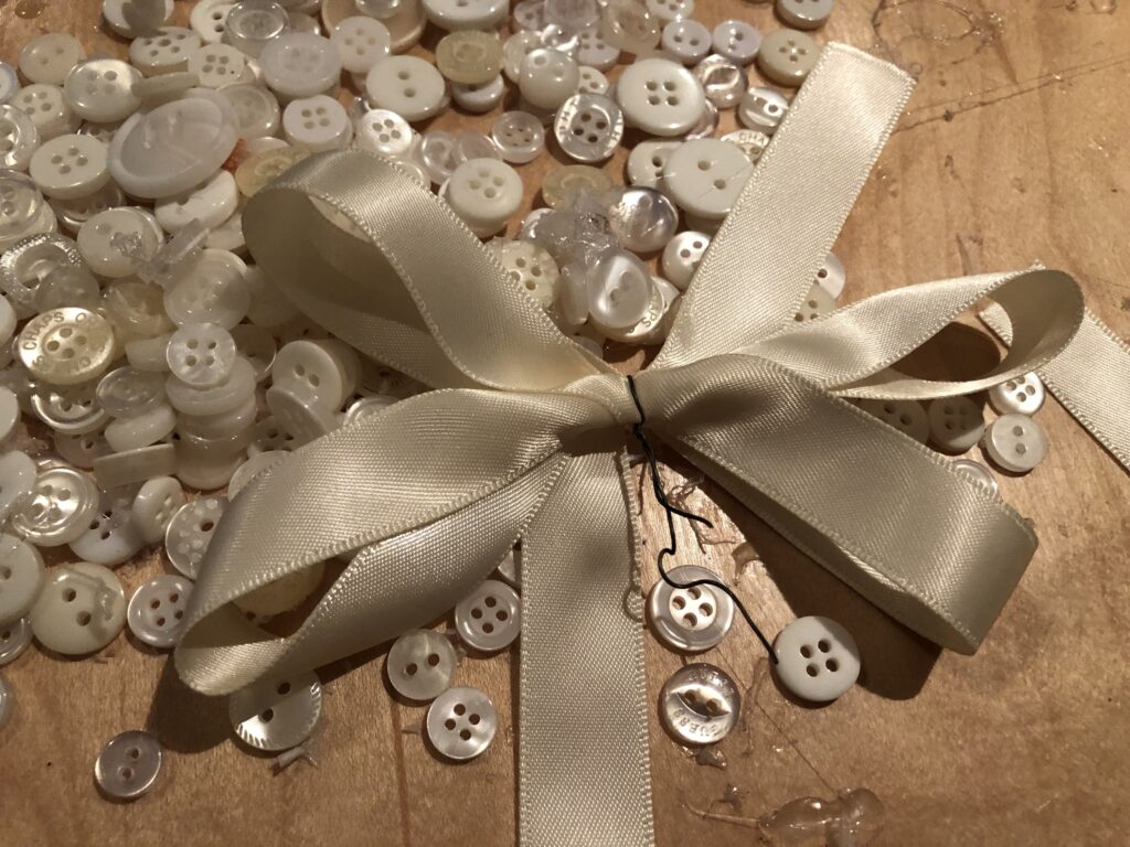 Simple satin folded bow to decorate easy  button Christmas tree ornament