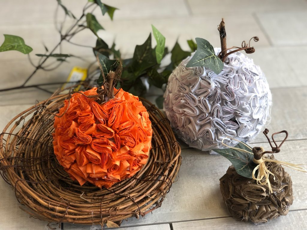 Learn how to make stunning pumpkins out of recycled paper. Super easy DIY. Textured paper pumpkin .Junk mail pumpkin diy