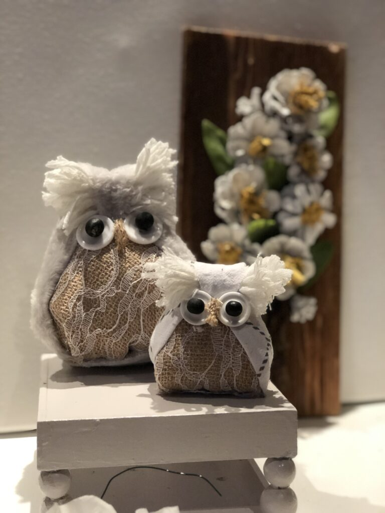 Are you looking for something fun to make with your kids? Puppets making are always fun. Let's make together super cute Fabric Owl