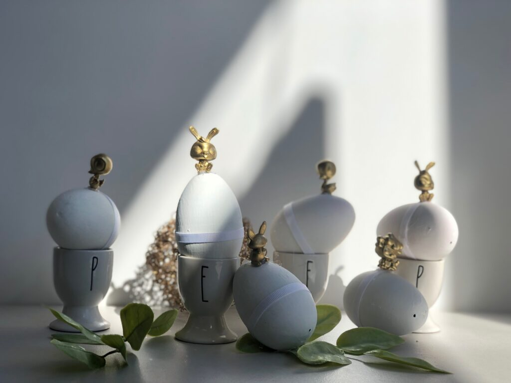 Stunning 3D Easter egg decor idea. Budget friendly Easter diy to elevate your spring home decor.