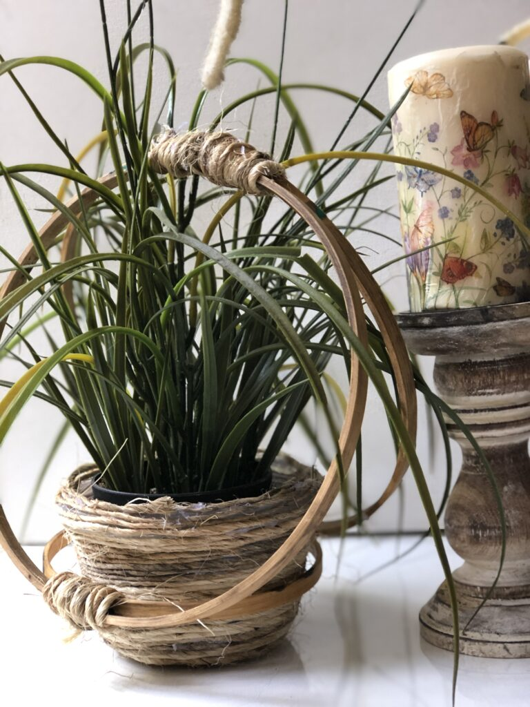 Shabby Chic embroidery hoop hanging basket idea.