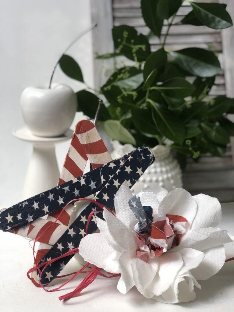 Floral Patriotic Decor. Red White & Blue decor. Easy Felt Flowers.Patriotic star Americana Home Decor July 4th floral decor idea