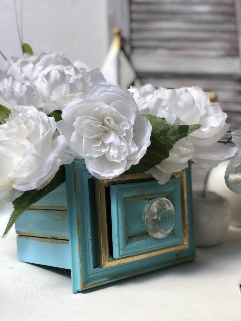 Chic Home Decor idea that is a MUST to make. Dollar Tree Picture frames drawers diy. Flowers planter DIY. Succulents drawers planter