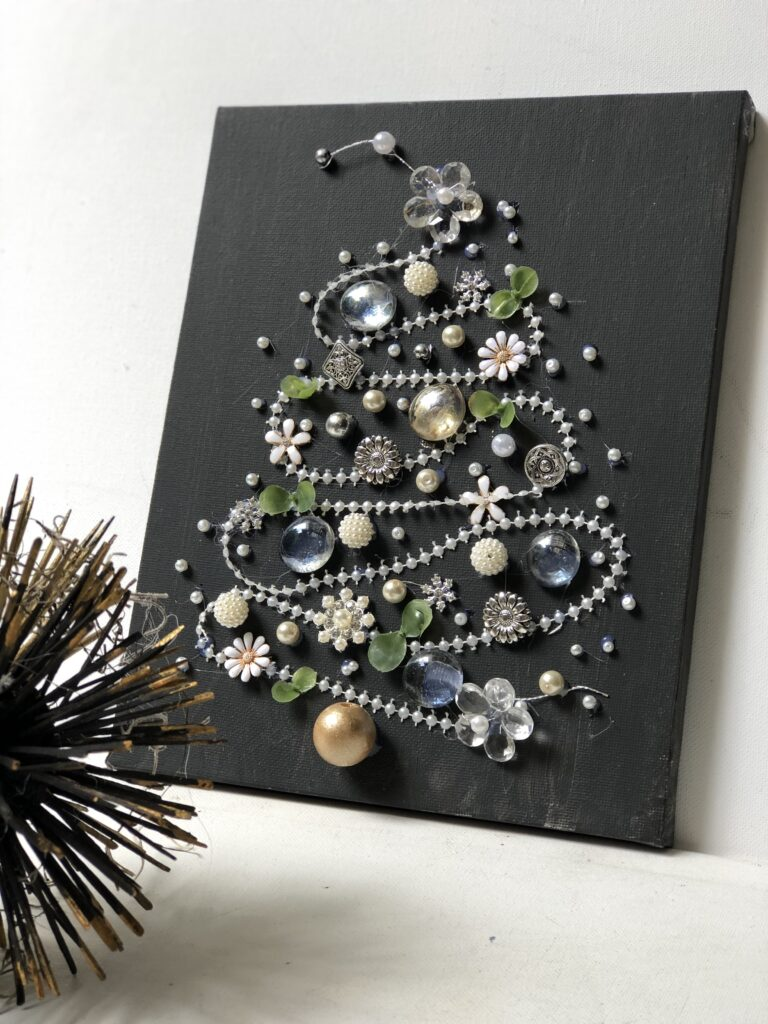 Bling Christmas Tree . Let's recap our Christmas in July crafts! Full tutorial to all. Christmas ornaments, Paper trees , wooden beads Christmas home decor