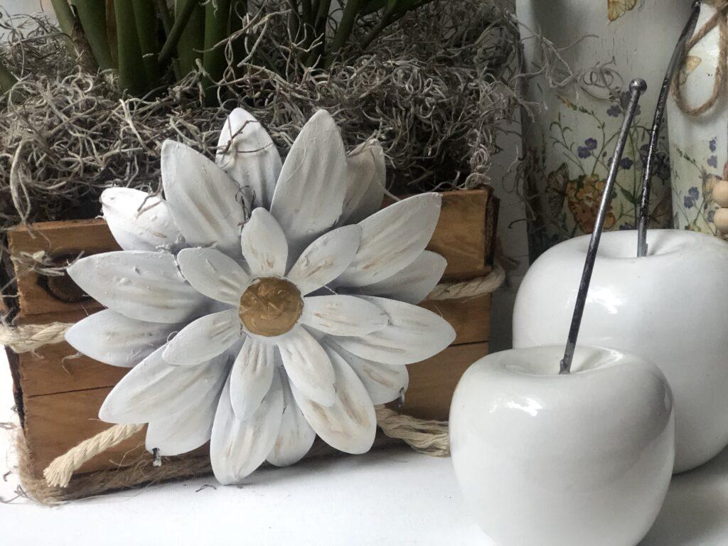 Turn you Dollar Tree items to lifetime elegant home decor. Plaster of Paris home decor diy. plaster apples