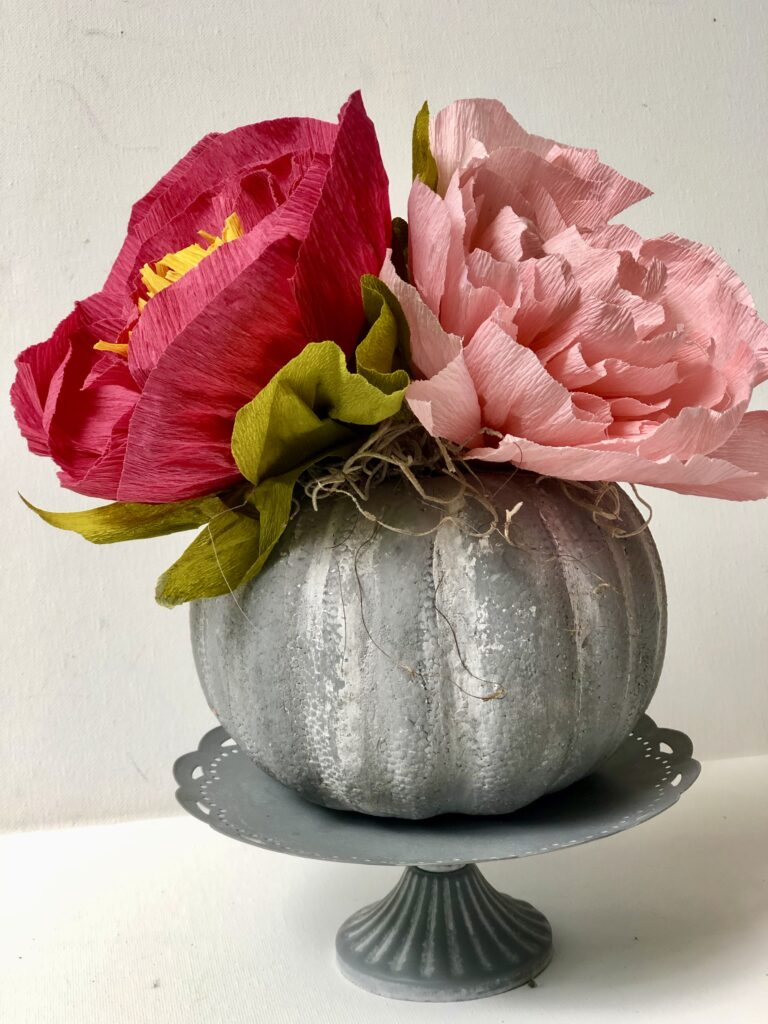 Let's make a faux cement succulent pumpkin planter. Dollar Tree fall home decor idea. Painted pumpkin. Planter diy Thanksgiving succulent centerpiece