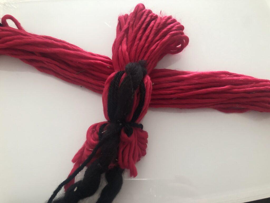 Learn how to make yarn Red Cardinal bird. Easy yarn bird diy. Christmas bird ornament diy.