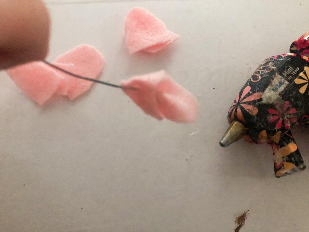 Learn how to make felt wisteria flower. Felt flower diy. Wreath floral embellishments diy. Easy flower diy